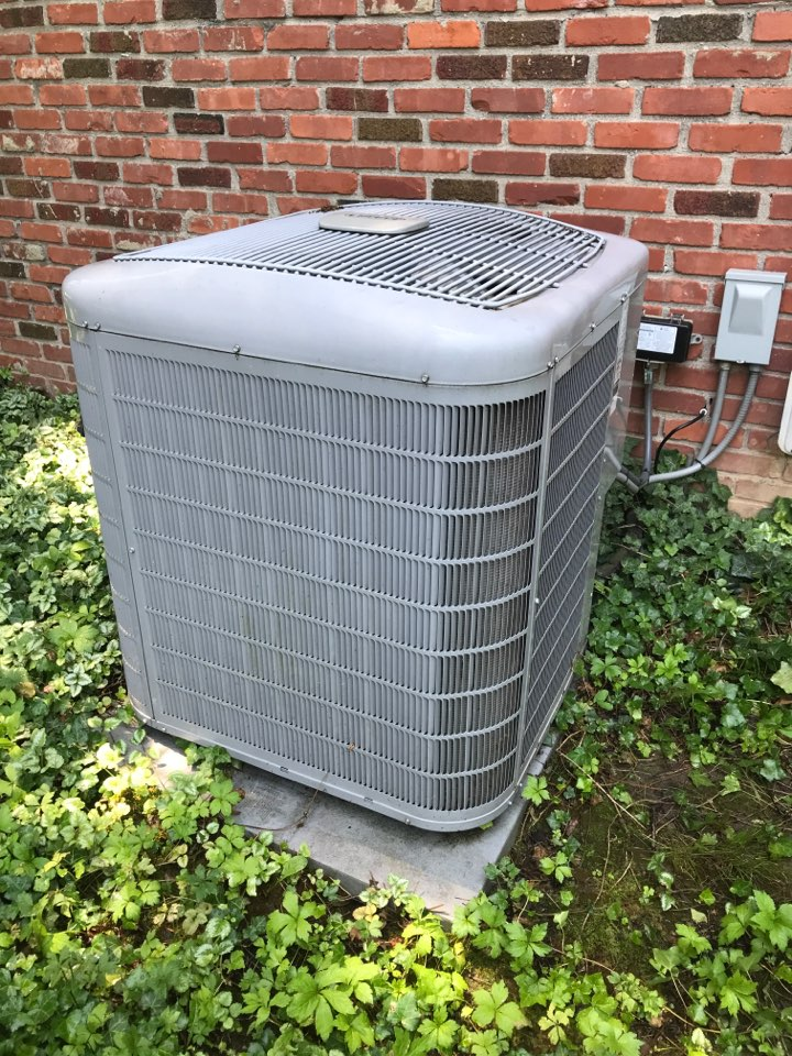 Carmel, IN - Repairing a Carrier air conditioner