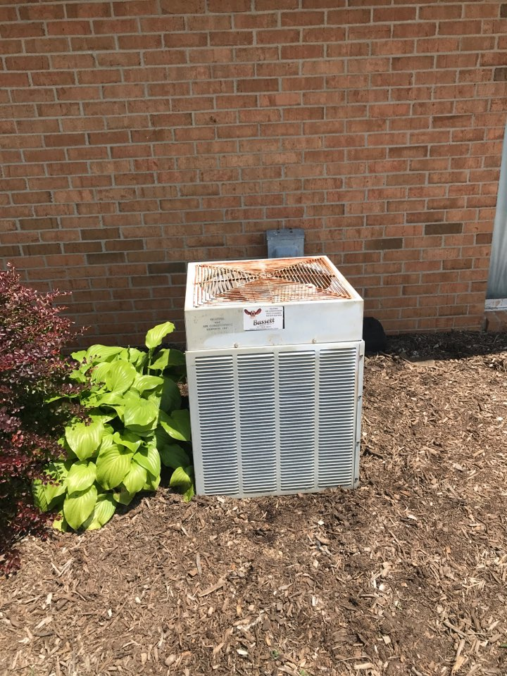 Mooresville, IN - Cleaning and servicing a Trane air conditioner