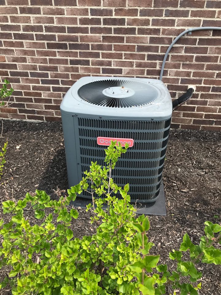 Avon, IN - Repairing a Goodman air conditioner