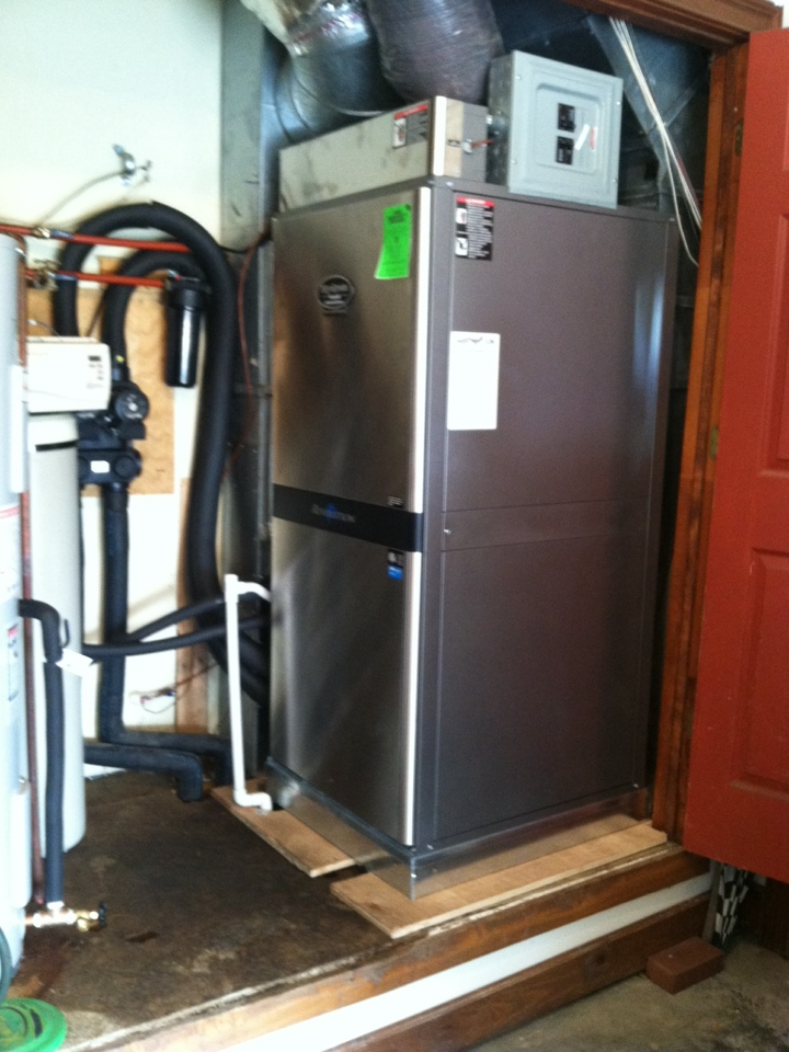 Morgantown, IN - Installation of Hydron geothermal heat pump