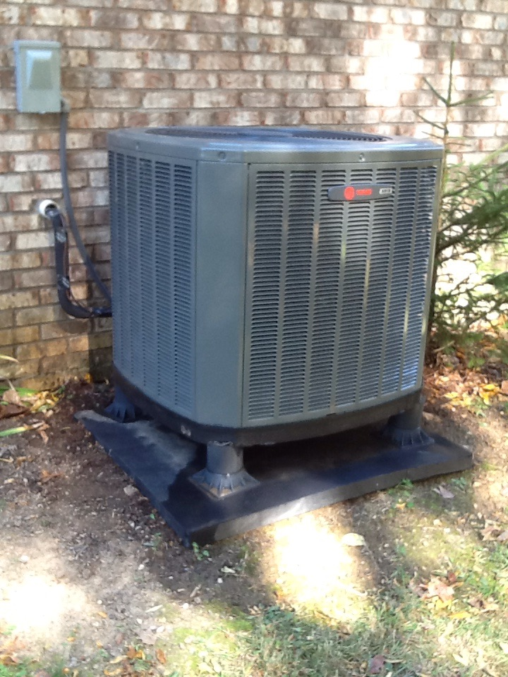 Quincy, IN - Air Conditioning Mantenance Visit on Trane TAM7 Air Handler & Heat Pump with Honeywell Wireless Thermostat