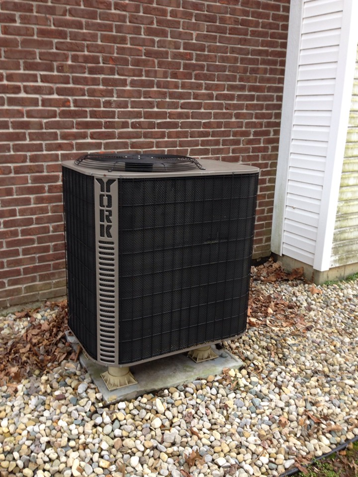 Paragon, IN - REPAIRS ON YORK HEAT PUMP SYSTEM.