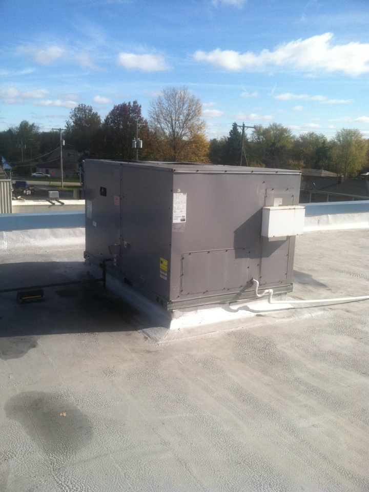 Monrovia, IN - Service on Bryant roof top heating system