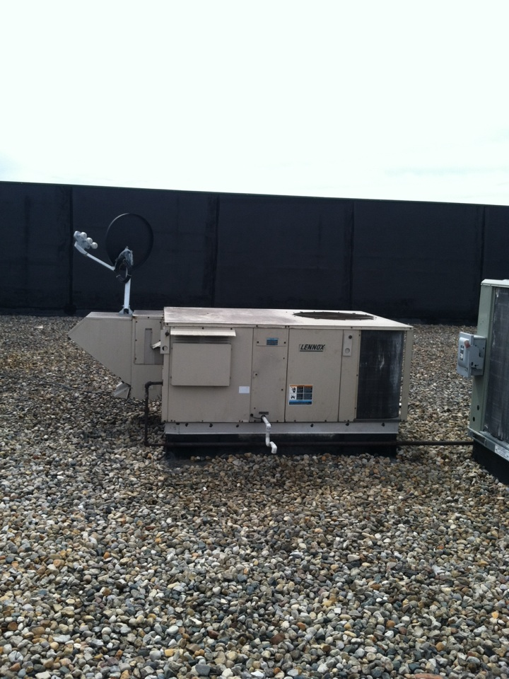 Monrovia, IN - Service on Lennox roof top heating system