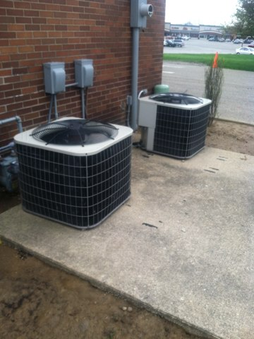 Brownsburg, IN - Doing maintenance and cleaning bryant air conditioners
