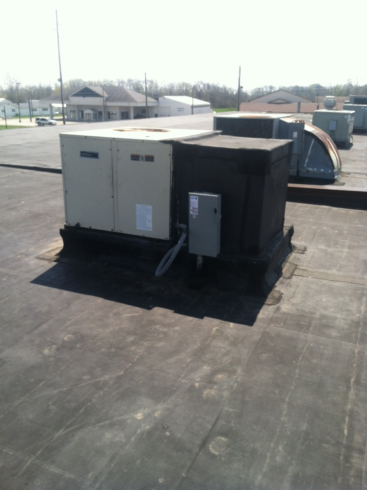 Danville, IN - Repair on Bryant roof top heating and cooling system
