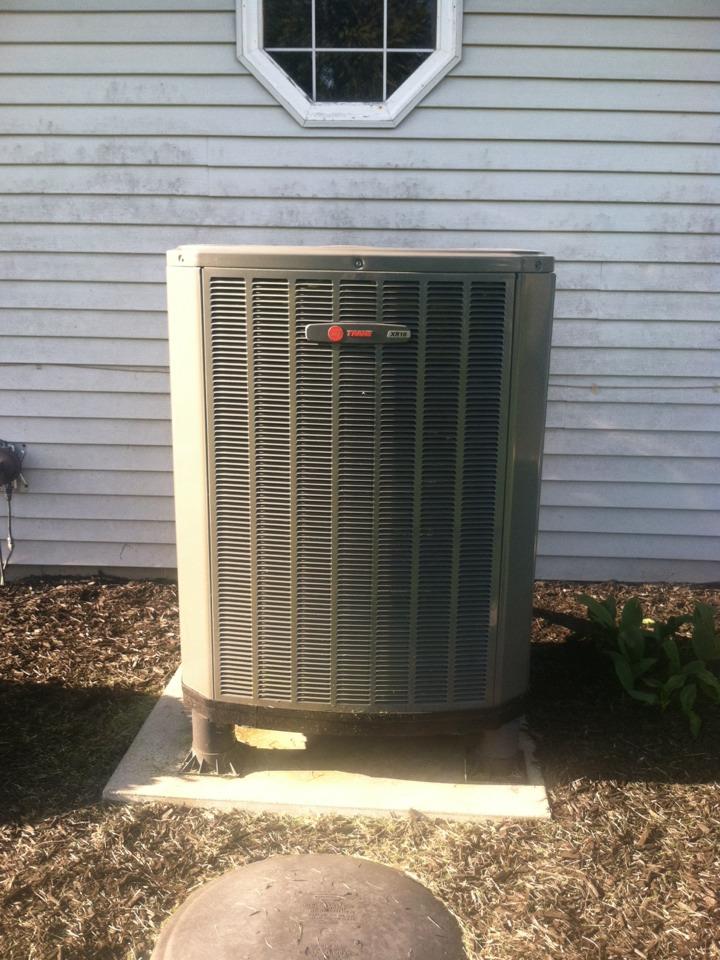North Salem, IN - Service call repair on Trane Heat Pump.