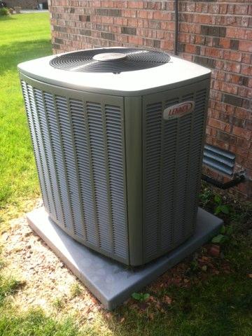 Brownsburg, IN - Repairing Lennox air conditioner