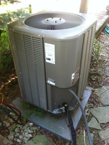 Brownsburg, IN - Repairing a Lennox heat pump air conditioner
