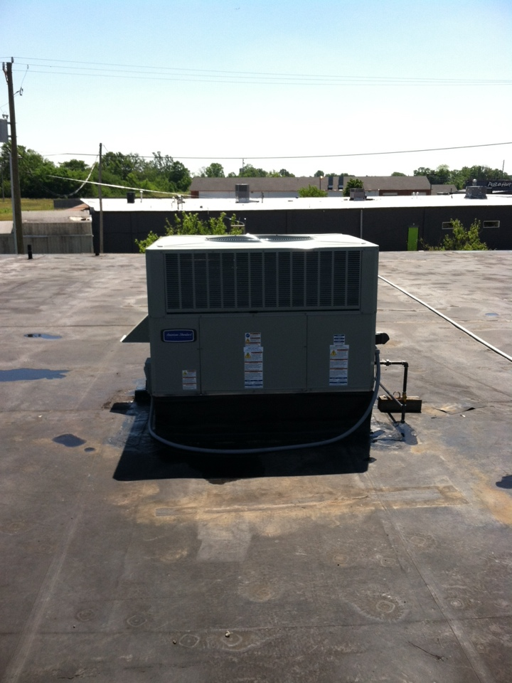 Brownsburg, IN - Roof top unit installation