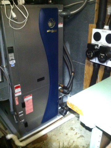 Avon, IN - Repairing a Waterfurnace geothermal heat pump air conditioner