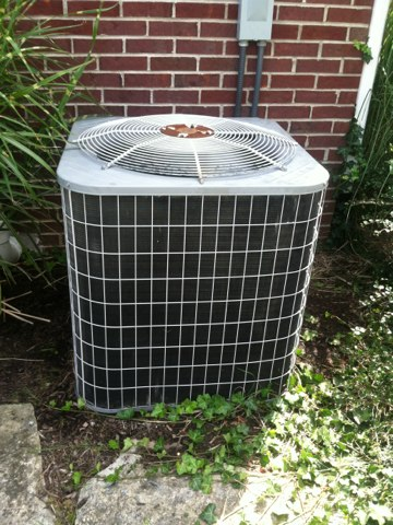 Zionsville, IN - Repairing a Bryant air conditioners