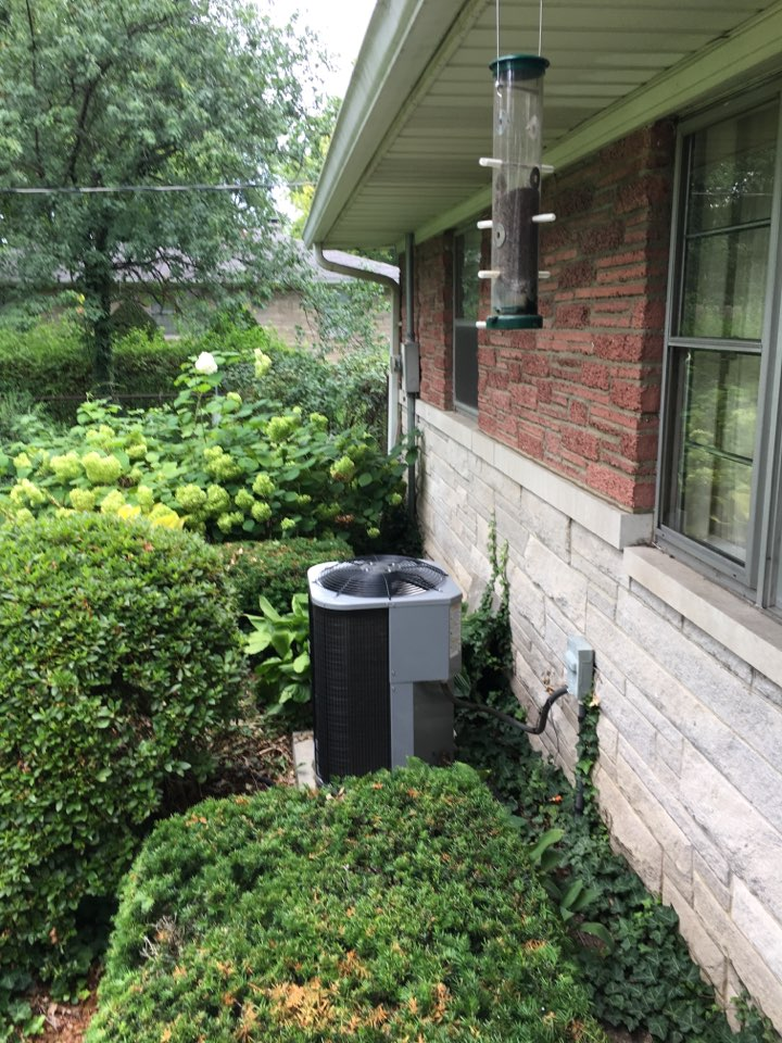 Fishers, IN - Service call repair on Grand-Aire ac unit.