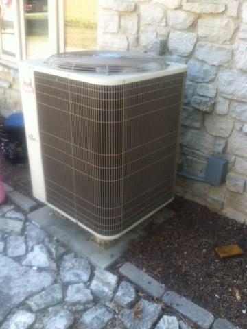 Plainfield, IN - Repairing a Bryant air conditioner heat pump