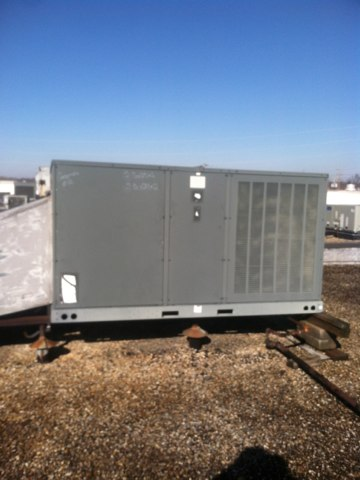 Brownsburg, IN - Repairing and servicing a Goodman gas furnace