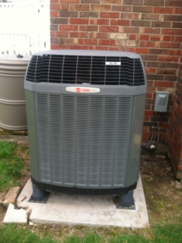 Lizton, IN - Repairing and servicing a Trane heat pump