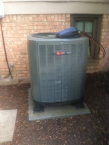 Greenwood, IN - Servicing and repairing a Trane heat pump air conditioner