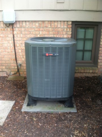 Greenwood, IN - Servicing and repairing a Trane air conditioner
