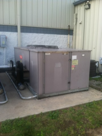 Mooresville, IN - Repairs on a Bryant heat pump air conditioner