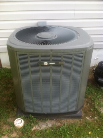 Mooresville, IN - Making repairs on a Trane air conditioner
