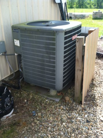 Brownsburg, IN - Repairing a Goodman air conditioner