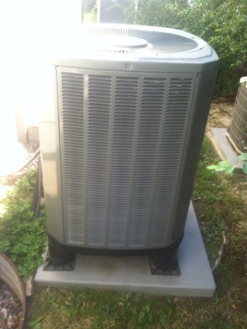 Greenwood, IN - Repairing a Trane heat pump