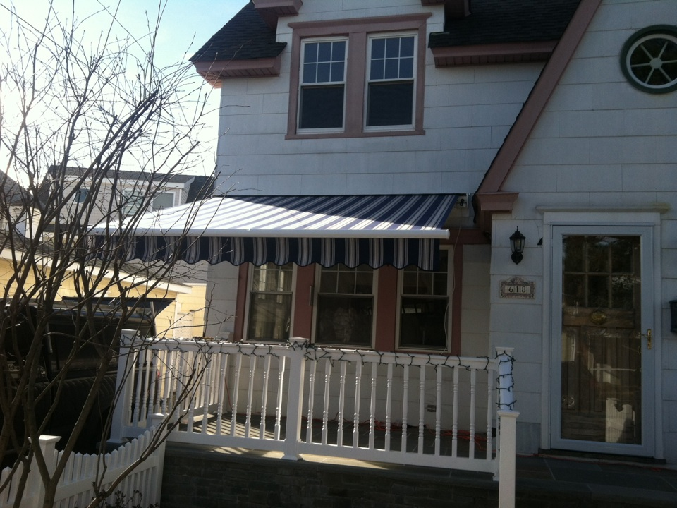 Ocean City, NJ - A beautiful Aristocrat Craftbilt Slim Fit retractable awning by MiamiSomers!