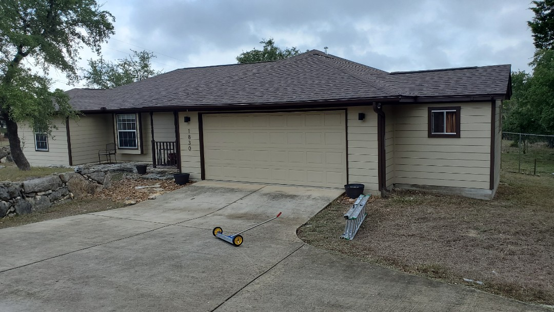 Canyon Lake, TX - We installed Rustic Slate Tamko Heritage dimensional shingle on a beautiful home in Canyon Lake.