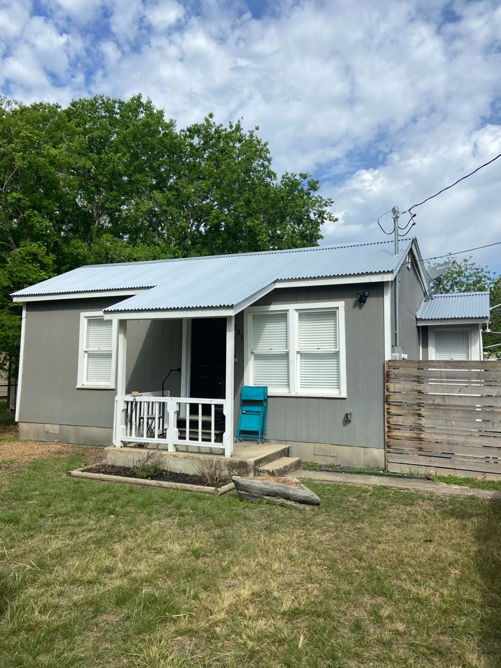 New Braunfels, TX - We installed Corrugated metal on a single story home in New Braunfels.