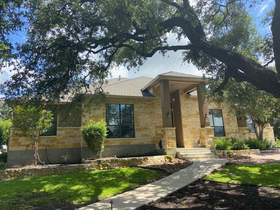 New Braunfels, TX - We installed weathered GAF HDZ shingles on a single story home in New Braunfels.