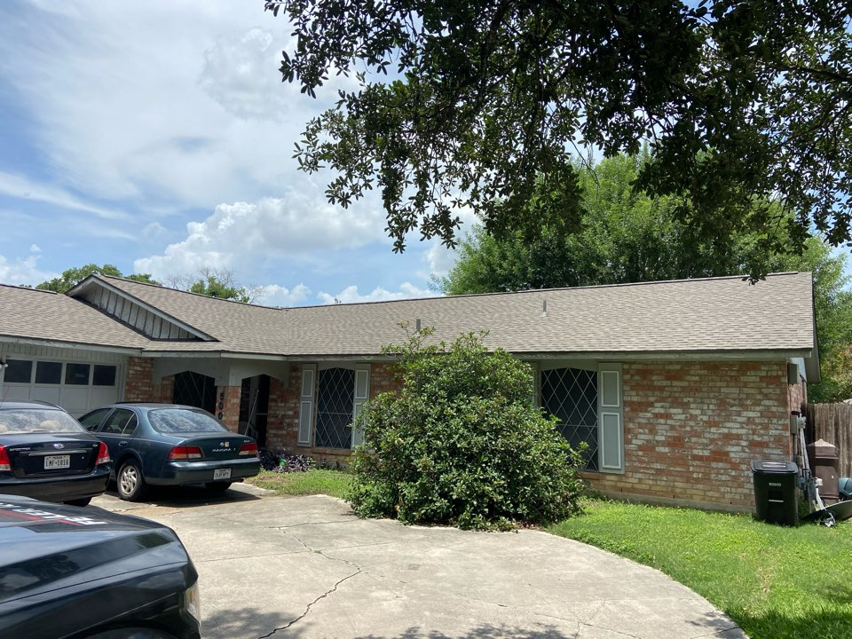 San Antonio, TX - We installed weathered wood GAF Timberline NS shingles on a single story home in San Antonio.
