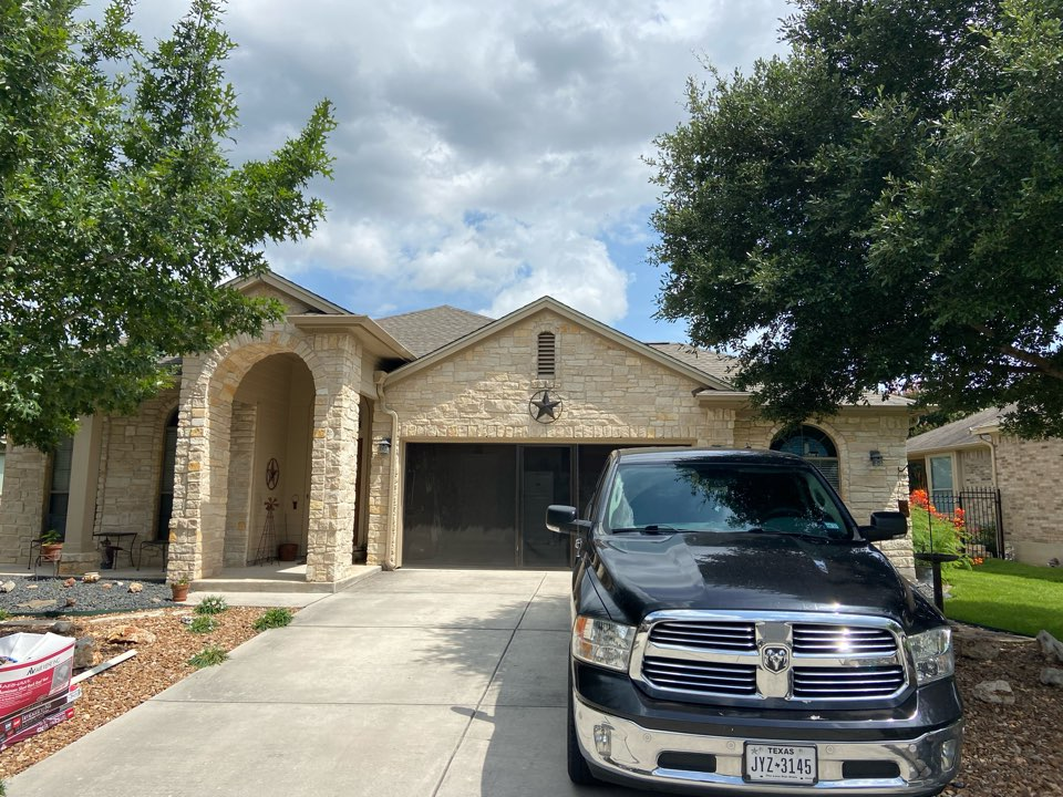 New Braunfels, TX - We installed weathered wood GAF timberline NS shingles on a single story home in New Braunfels.
