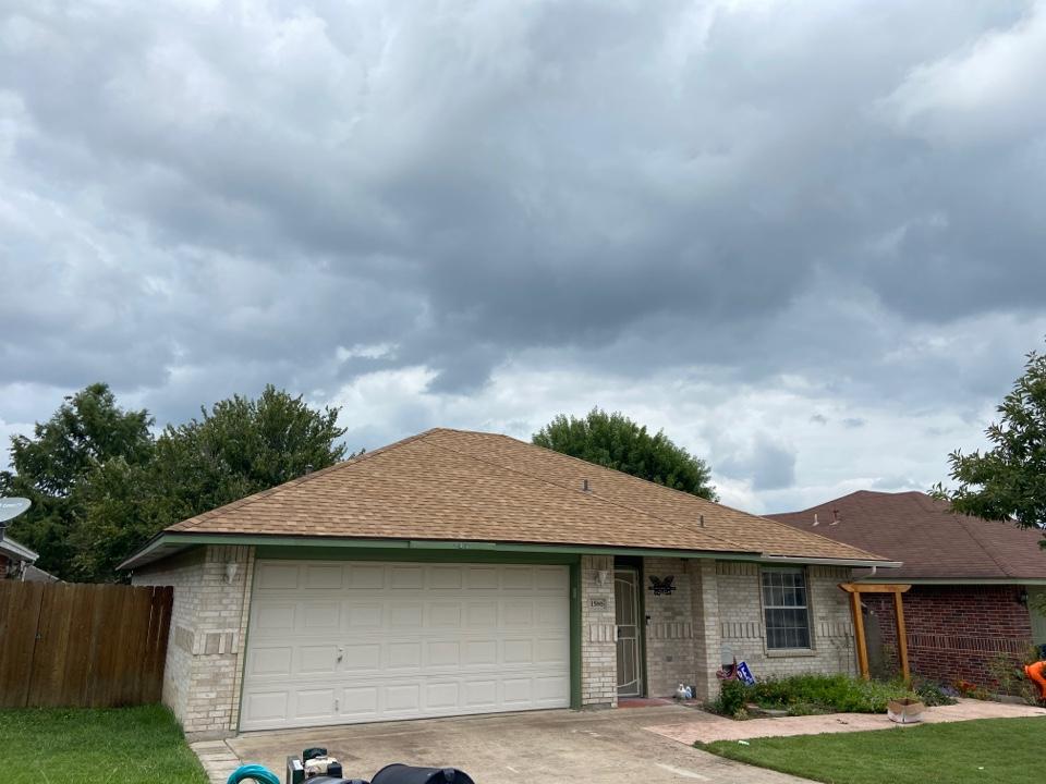New Braunfels, TX - We installed Tamko Rustic Cedar dimensional shingles on a single story home in New Braunfels.