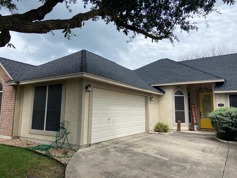 New Braunfels, TX - We installed GAF HDZ Charcoal shingles on a single story home in New Braunfels.