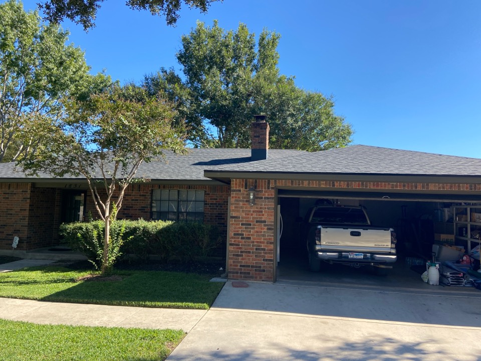 New Braunfels, TX - We installed Tamko Rustic Black Dimensional shingles on a single story home in New Braunfels.