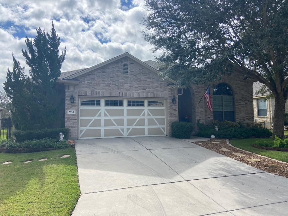 New Braunfels, TX - We installed Weathered wood Tamko heritage dimensional shingles on a single story home in New Braunfels.