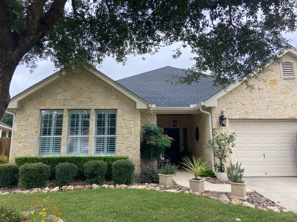 New Braunfels, TX - We installed GAF Timberline Armor Shield 2 Charcoal shingles on a single story home in New Braunfels.