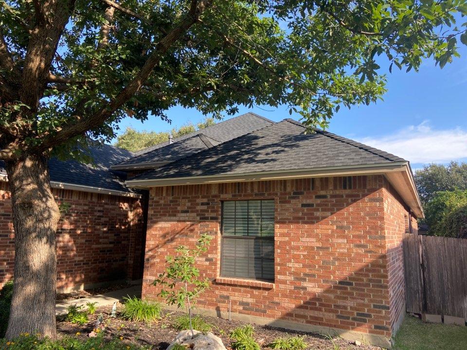 New Braunfels, TX - We installed Charcoal GAF HDZ shingles on a single story home in New Braunfels.