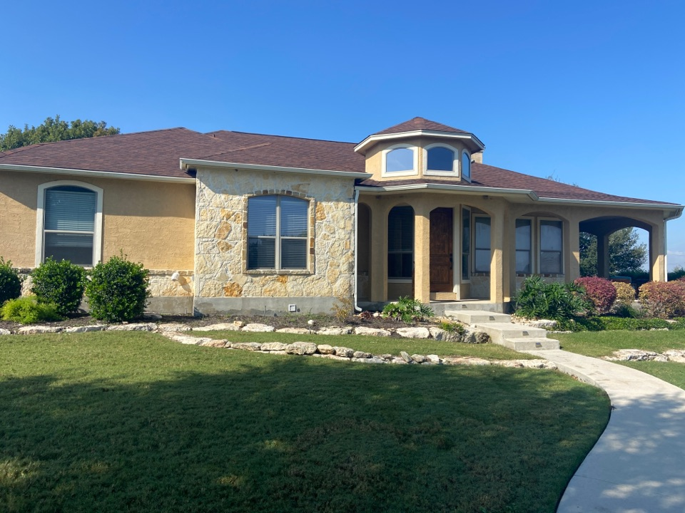 New Braunfels, TX - We installed Tamko Rustic Hickory shingles on a single story home in New Braunfels.