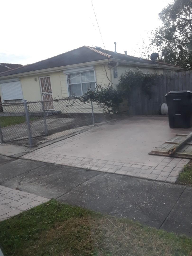 New Orleans, LA - Pest control services performed
