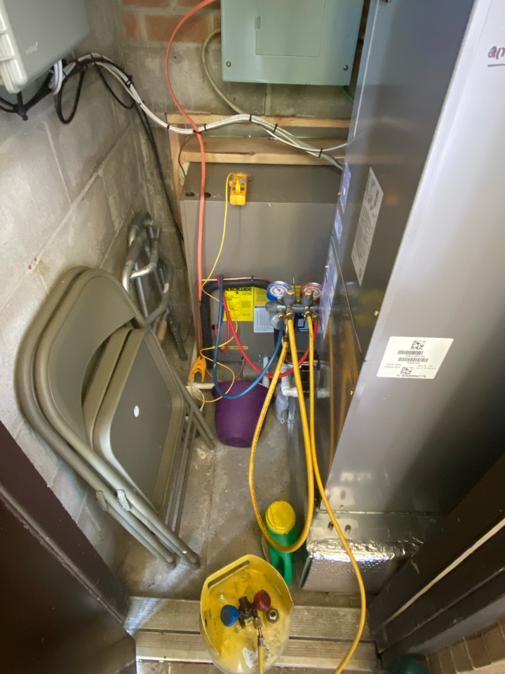 West Chester, PA - Adjusting the pressures on a new unit installed back in the winter