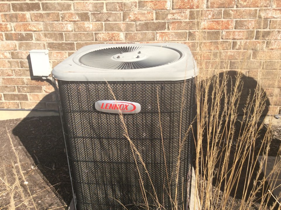Leawood, KS - Air conditioning maintenance