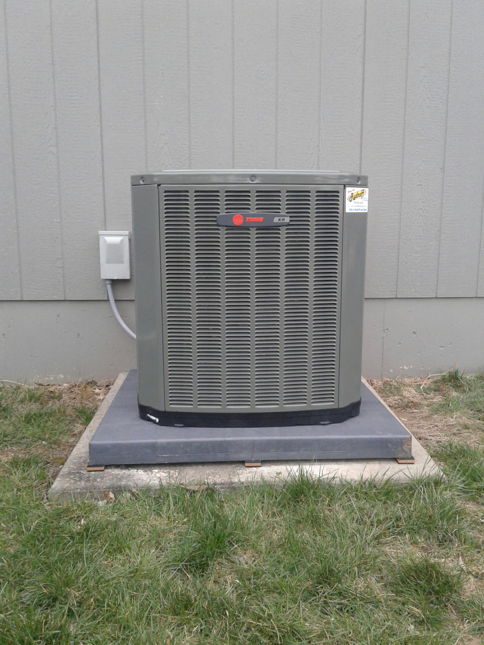 Pleasant Hill, MO - Install trane xt80 furnace and xr14 ac