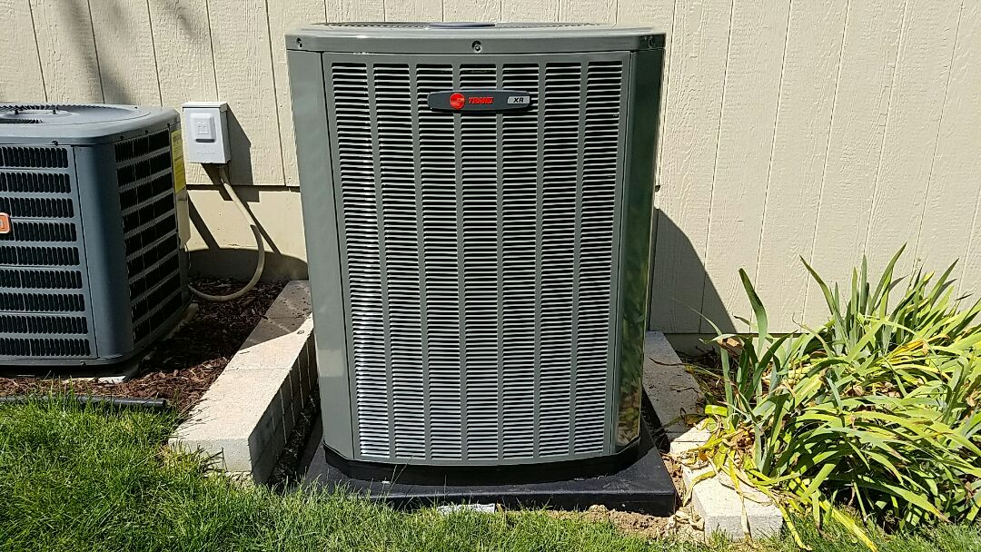 Blue Springs, MO - Install trane xr16 air conditioner and xv80 furnace