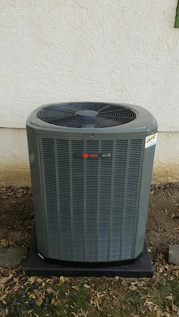 Harrisonville, MO - Instalation of trane xr 15 air conditioner and furnace