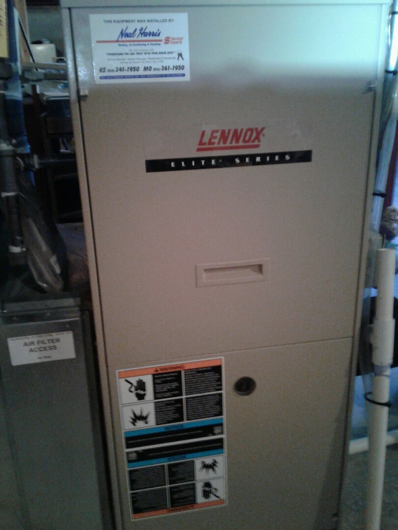 Pleasant Hill, MO - Perform maintenance on Lennox furnace