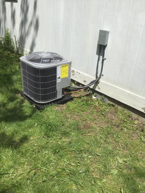 Trotwood, OH - Found service disconnect off at Carrier furnace. Customer turned off inadvertently, possibly when installing closet door. Turned on, cycled blower and cooling.