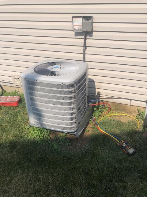 Huber Heights, OH - I added .86 pounds of Refrigerant R-410A Puron to a Air Conditioner