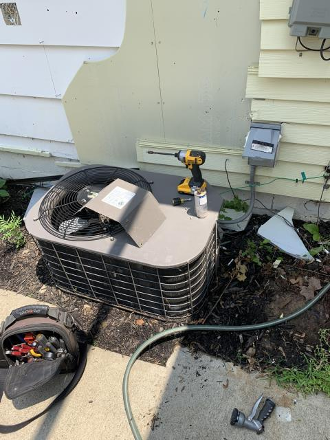 Dayton, OH - Replaced motor surge capacitor on Luxaire AC. System cooling properly at departure.