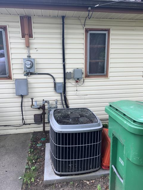 Dayton, OH - Provided an estimate to replace older Carrier AC with new Carrier system. Pictured below is the old unit.